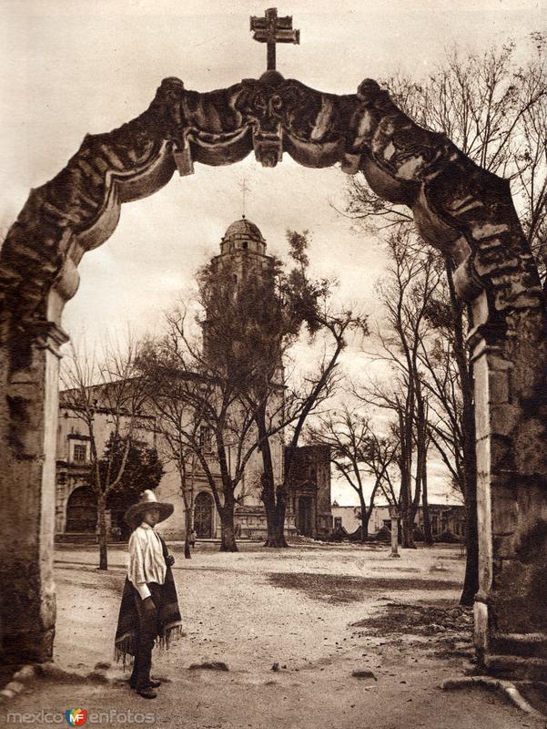 Fotos de Ac�mbaro, Guanajuato, M�xico: Iglesia de Ac�mbaro (circa 1920)