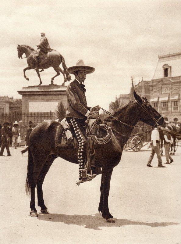 Mexicano en traje de charro (circa 1920)