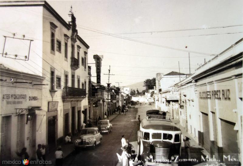 Fotos de Zamora, Michoac�n, M�xico: Avenida Morelos  Hacia 1945