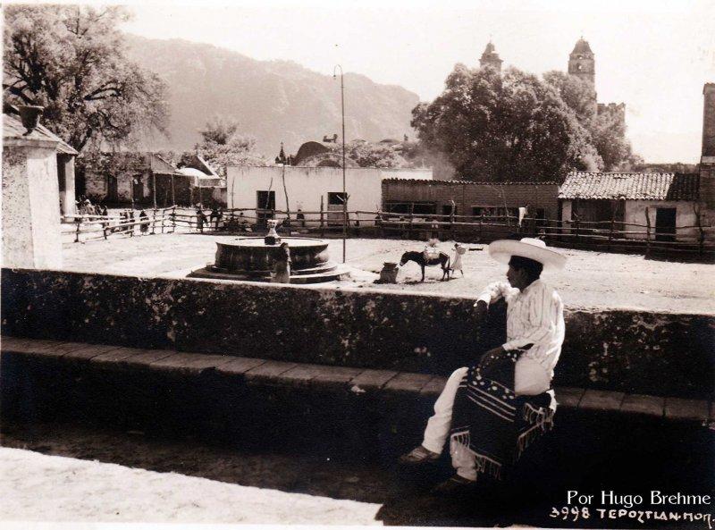 Fuente y Plaza por HUGO BREHME Hacia 1930