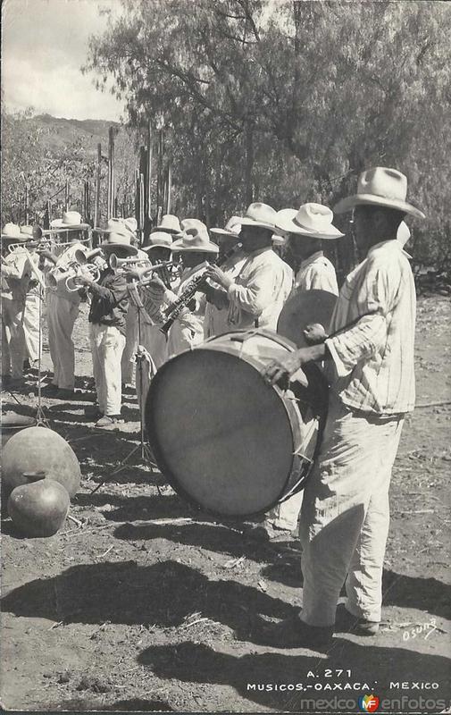Banda de Musica hacia 1945