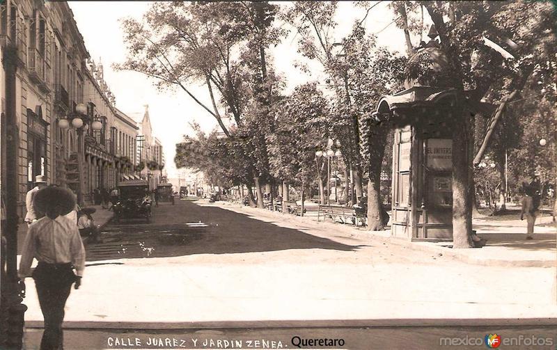 Calle Juarez y Jardin Zenea Hacia 1937