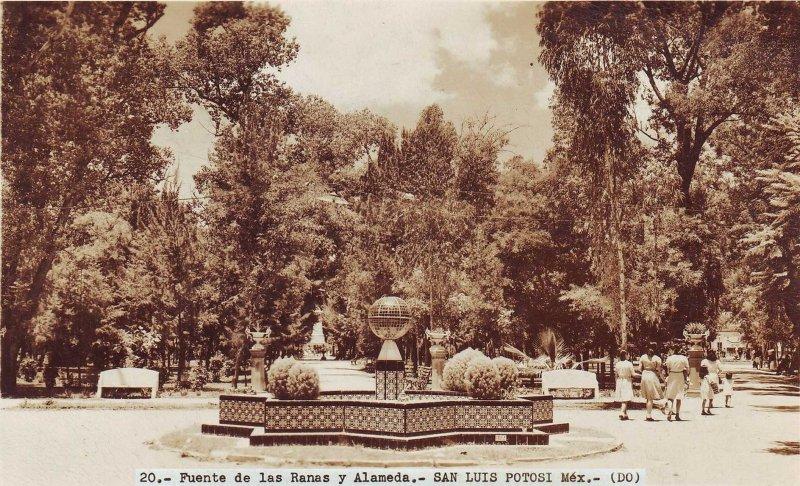 Fuente de las Ranas y Alameda Hacia 1945