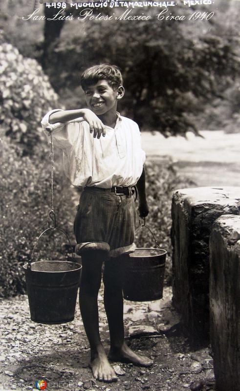 Muchacho por HUGO BREHME Hacia 1930