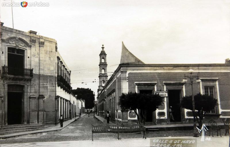 Calle cinco de Mayo Hacia 1945