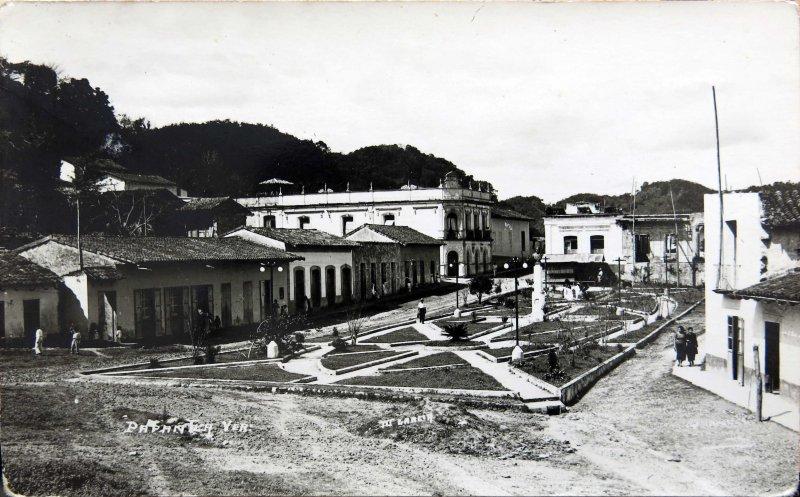 Fotos de Papantla, Veracruz, M�xico: Plaza Principal Hacia 1945