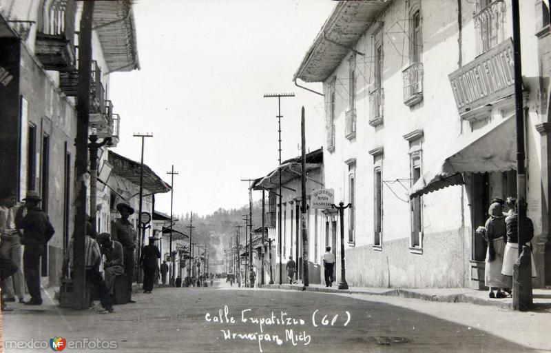 Fotos de Uruapan, Michoacán, México: Calle Cupatzio Hacia 1945