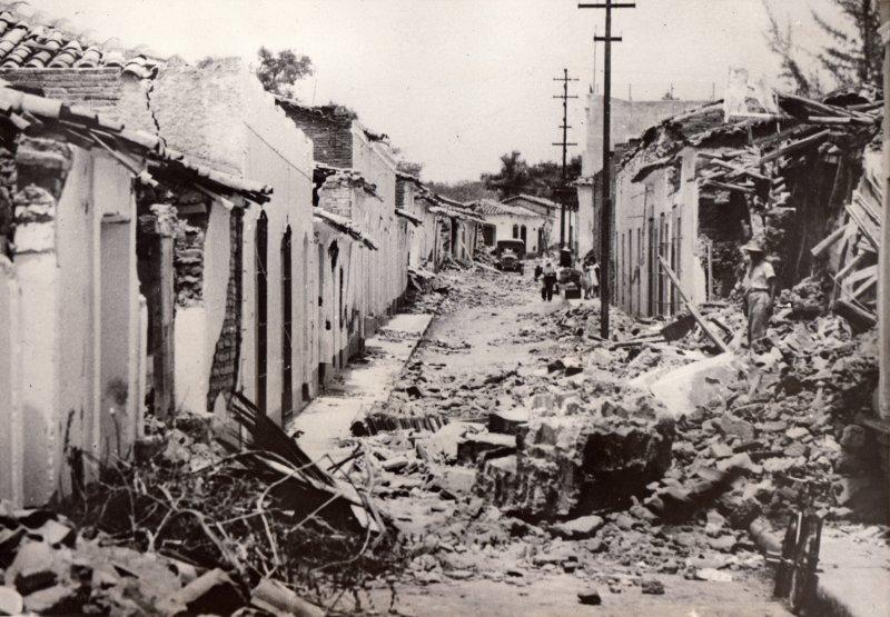 Fotos de Colima, Colima, México: Destrucción en la Calle Venustiano Carranza por el sismo de 1941