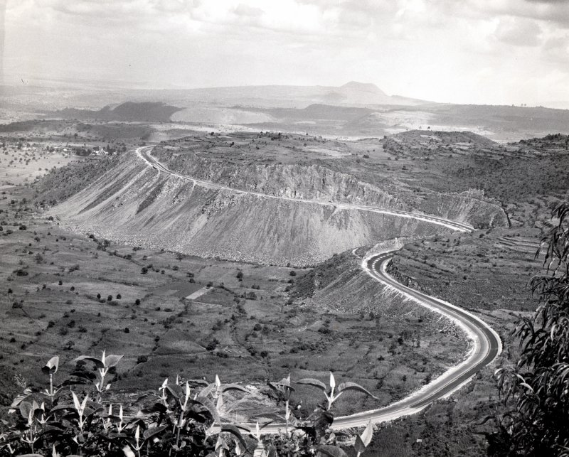 Construcción de la autopista México - Cuernavaca (1952)