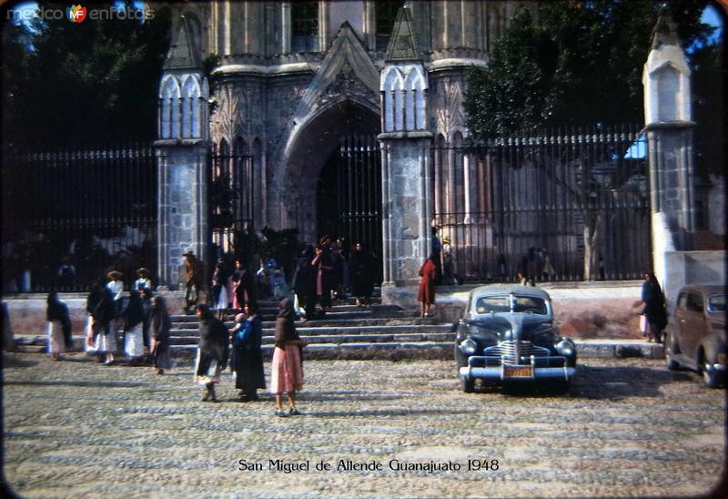 Enterada a la Iglesia Hacia 1945