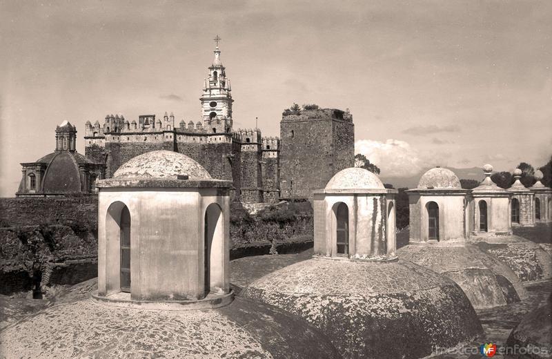 Cholula, San Gabriel, vista desde la Capilla Real