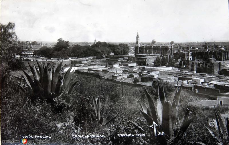 Fotos de Cholula, Puebla, M�xico: Vista parcial  Hacia 1945