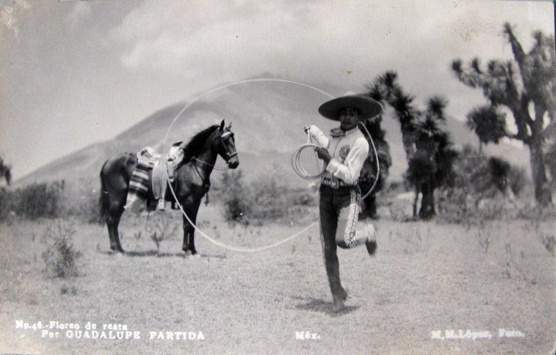 Fotos de Monterrey, Nuevo Le�n, M�xico: GUADALUPE PARTIDA floreo de reata Hacia 1945