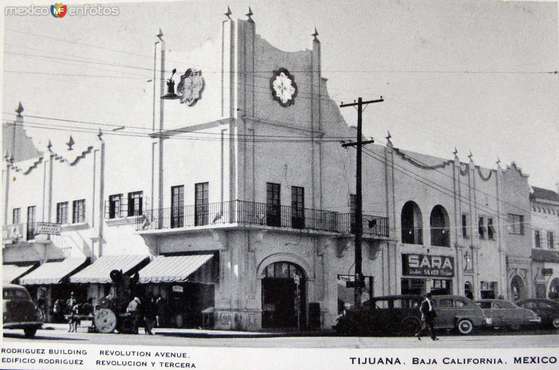 Avenida Revolucion y Tercera Hacia 1945