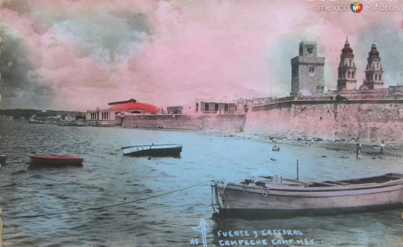 Fuerte y Catedral Hacia 1945