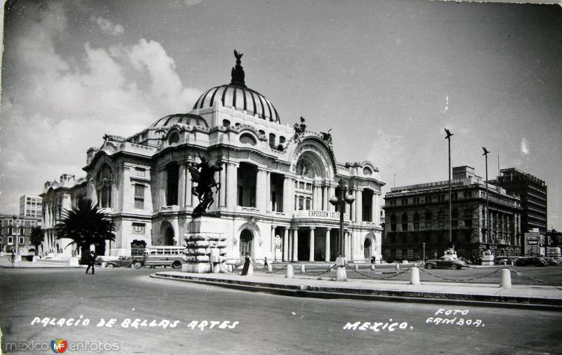 El Palacio de Bellas Artes Hacia 1945