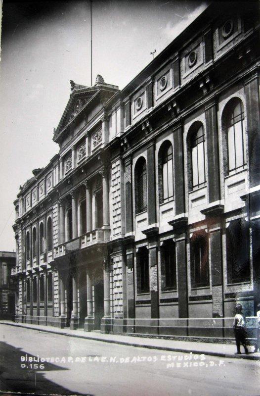 Biblioteca Hacia 1945