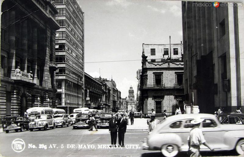Avenida cinco de Mayo Hacia 1945