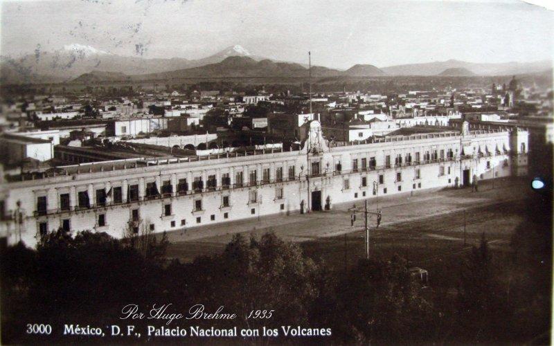 Palacio Nacional por el fotografo HUGO BREHME Hacia 1930