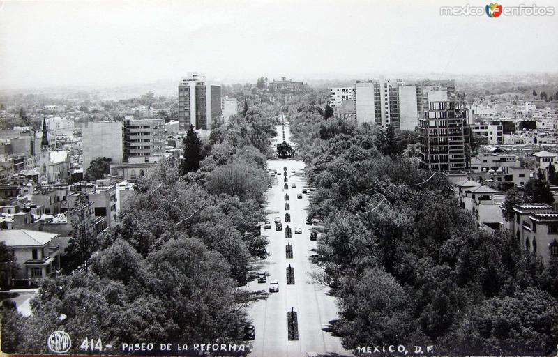 Avenida Paseo de la Reforma Hacia 1945