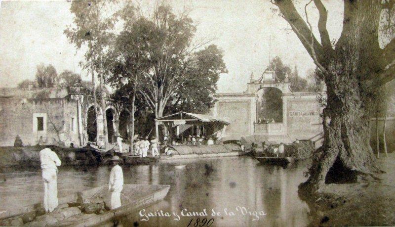 Garita y Canal de la Viga Hacia 1890