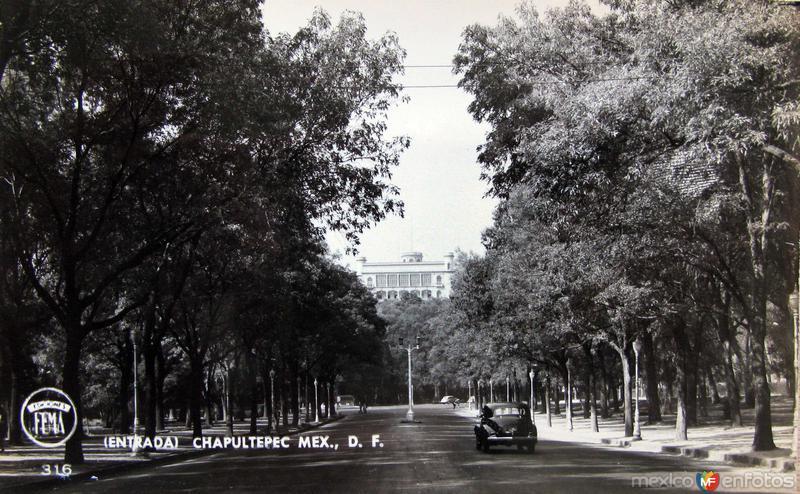 Entrada Castillo de Chapultepec Hacia 1945