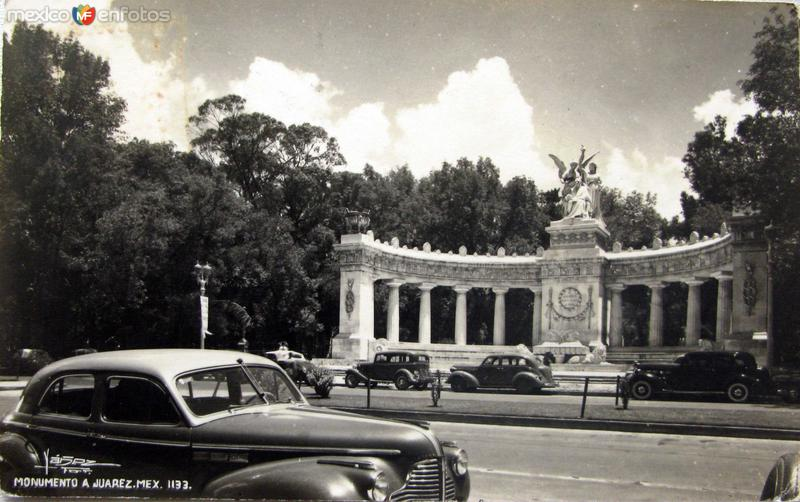 Monumento a Juarez 1945