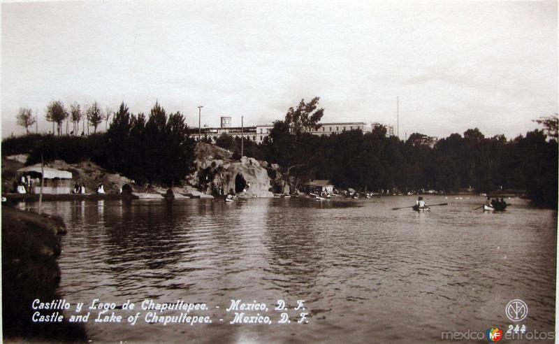 Fotos de Ciudad de México, Distrito Federal, México: Lago y Castillo de Chapultepec Hacia 1930