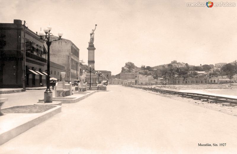 Mazatlán, Olas Altas y vía del Ferrocarril