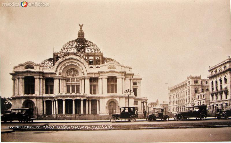 Palacio de Bellas Artes Por el fotografo HUGO BREHME Hacia 1930