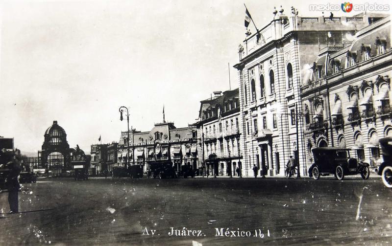 Avenida Juarez Hacia 1920