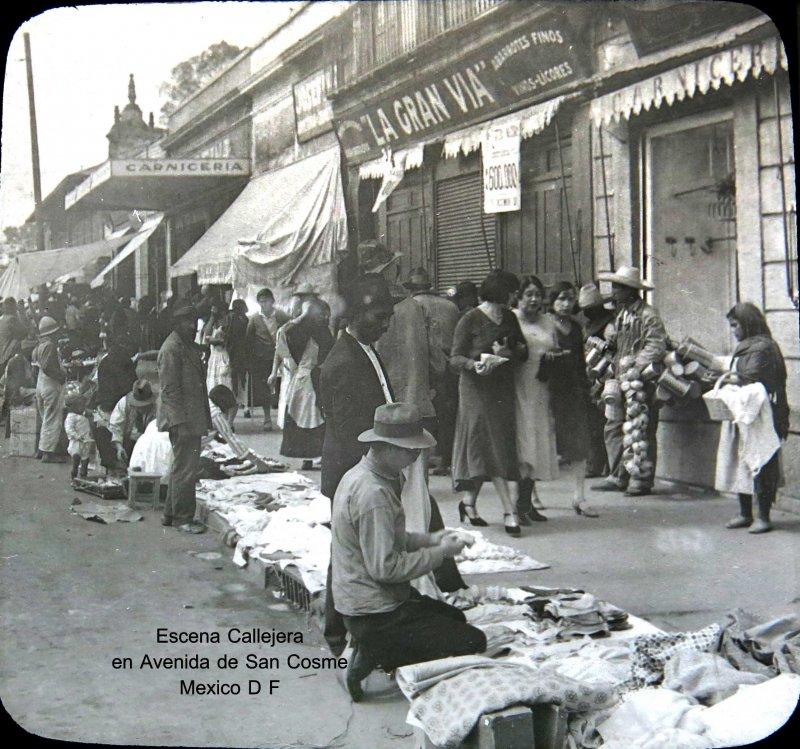Puestos en la Avenida San Cosme Hacia 1930