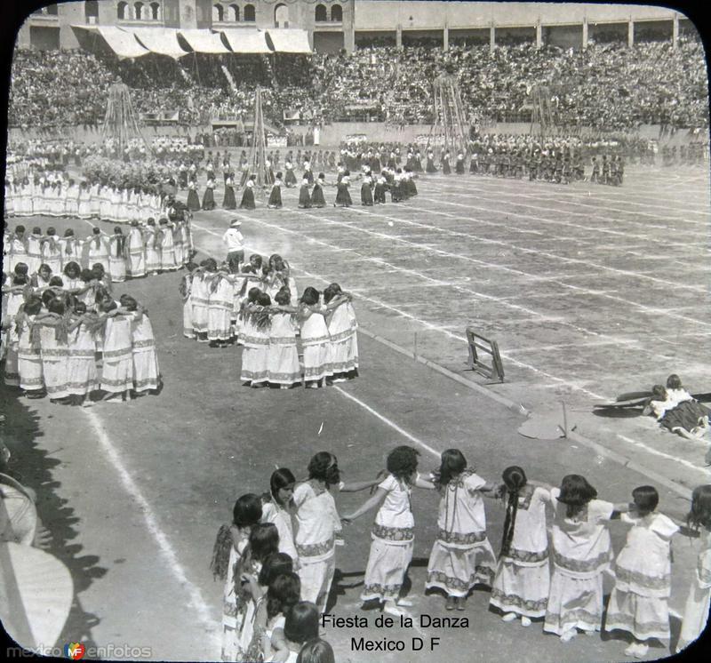 Fiesta de la Danza Hacia 1930