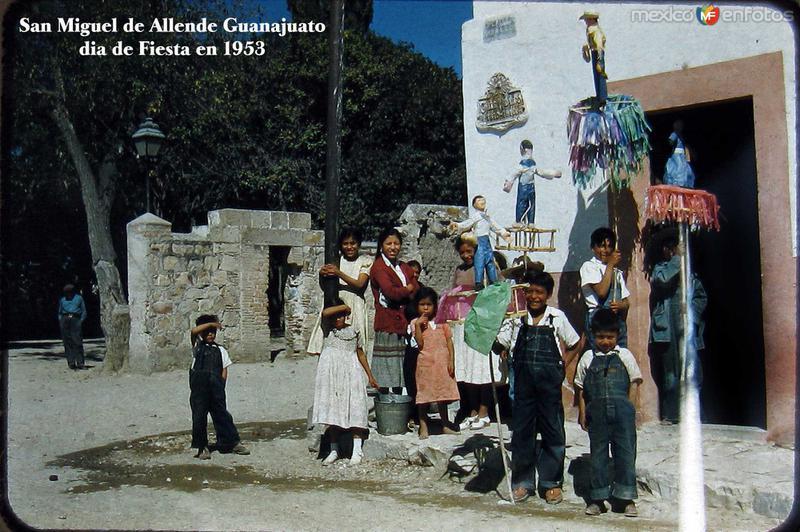 Dia de Fiesta Folclor Mexicano Hacia 1953