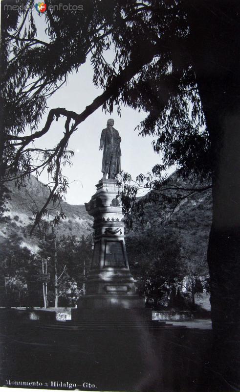 Monumento a Hidalgo Hacia 1921