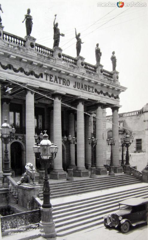 Interior del Teatro Juarez Hacia 1940