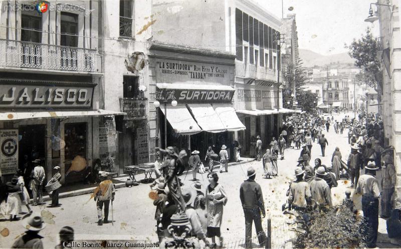 Calle Benito Juarez Hacia 1945