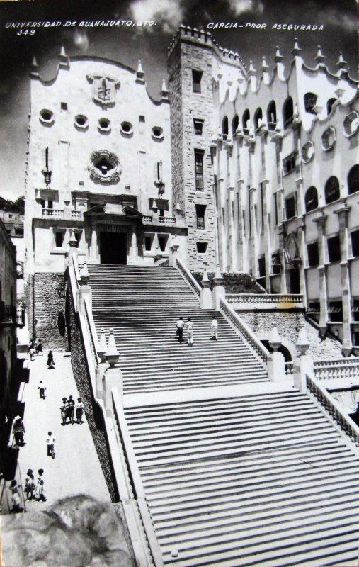 La Universidad Hacia 1945