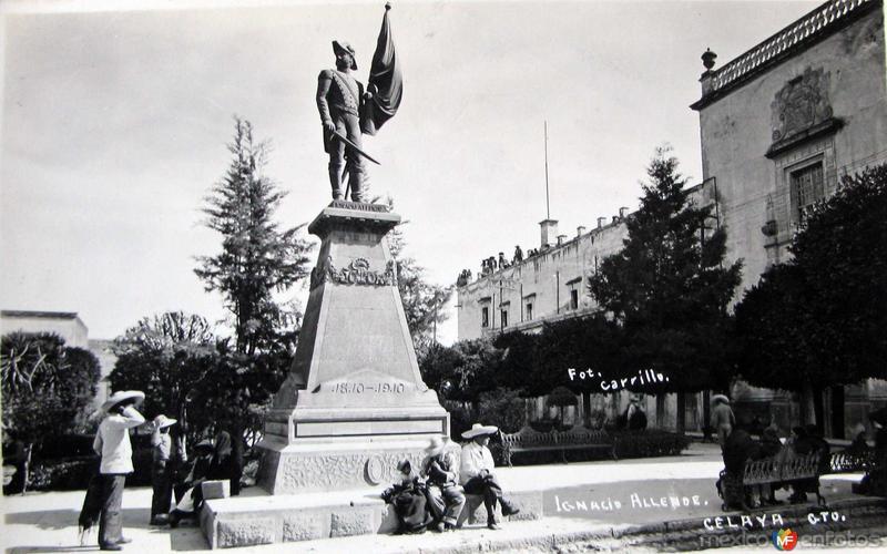 MONUMENTO A IGNACIO ALLENDE Hacia 1945