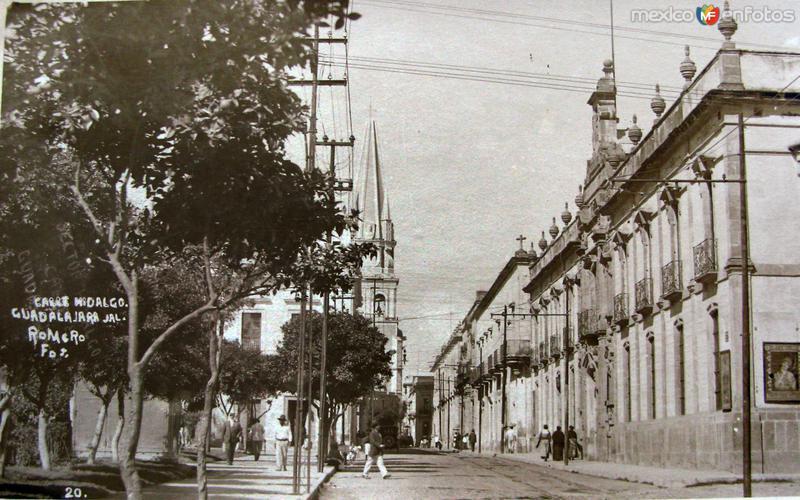 LA CATEDRAL Y CALLE HIDALGO Hacia 1945