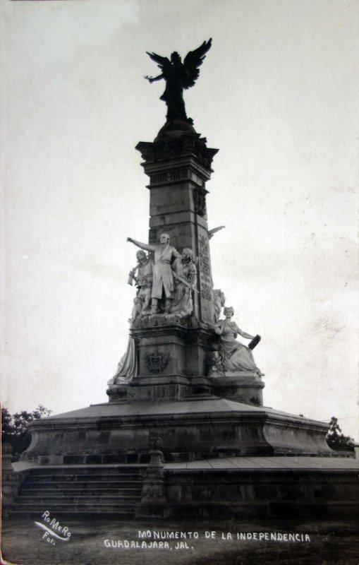 MONUMENTO A LA INDEPENDENCIA Hacia 1940