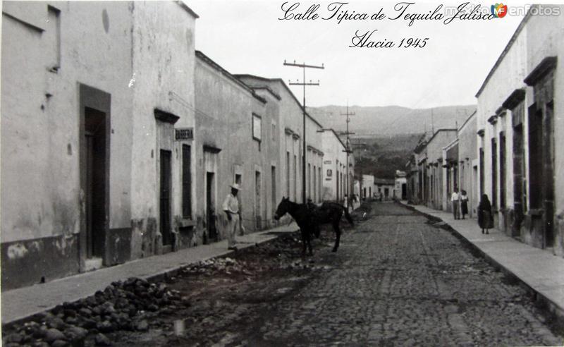 ESCENA TIPICA CALLEJERA Hacia 1945