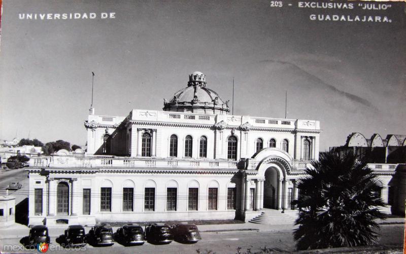 UNIVERSIDAD Hacia 1945
