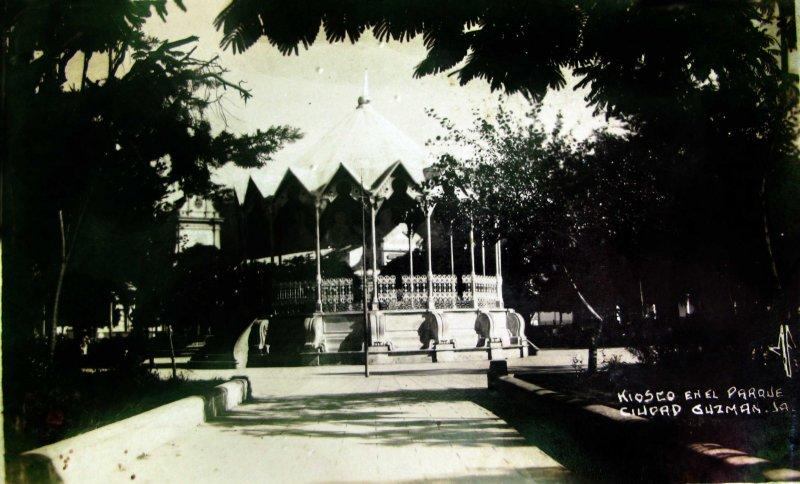 EL KIOSKO Hacia 1945