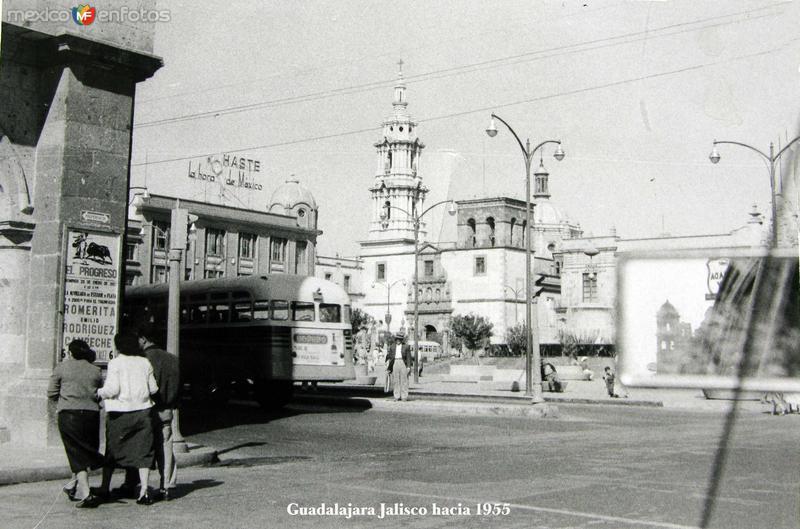ESCENA CALLEJERA Hacia 1955