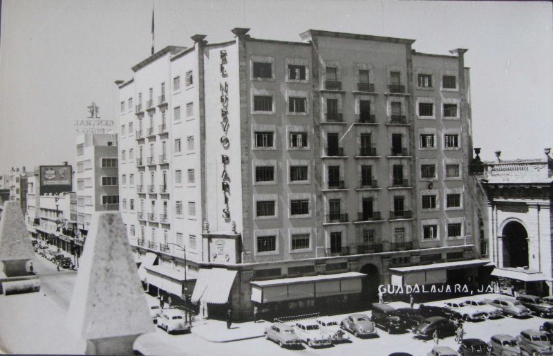 TIENDA EL NUEVO PARIS Hacia 1945