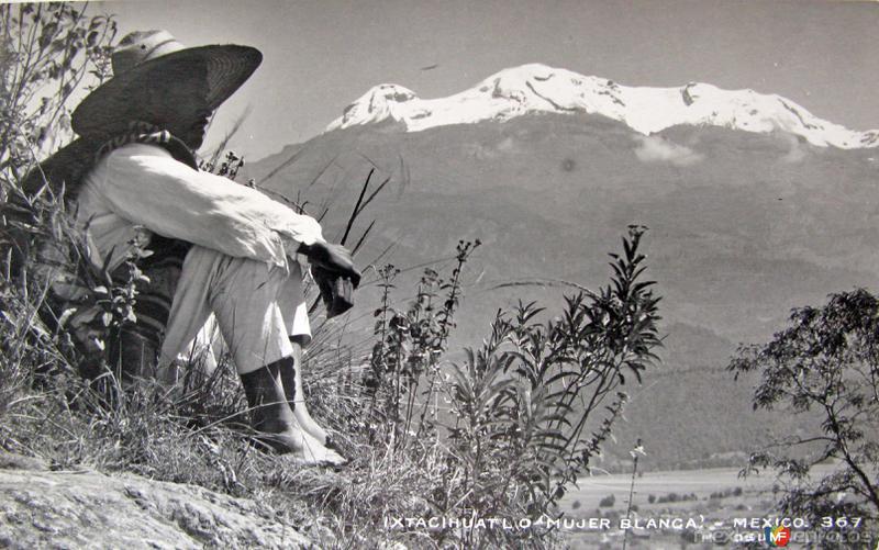 El Volcan Ixtacihuatl Hacia 1945