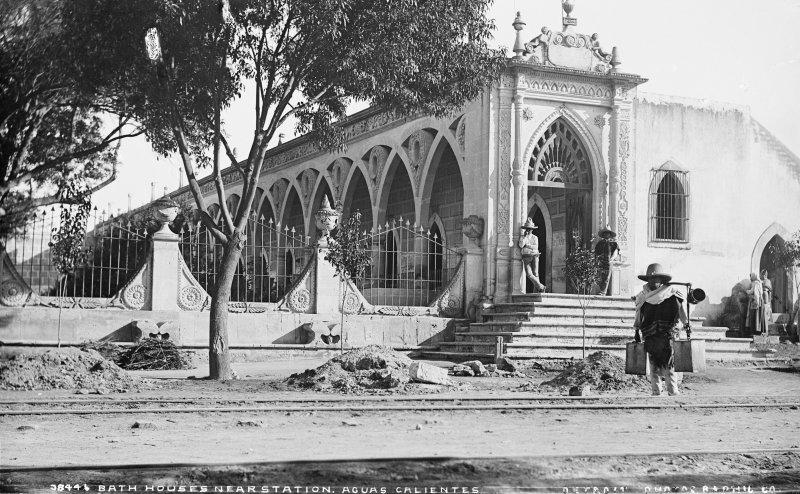Baños de aguas termales (por William Henry Jackson, c. 1888)