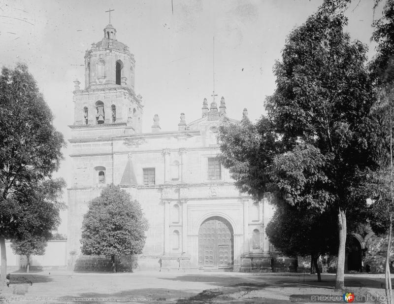 Iglesia en Coyoacán (por William Henry Jackson, c. 1888)