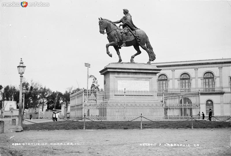 Monumento a Carlos IV (por William Henry Jackson, c. 1888)